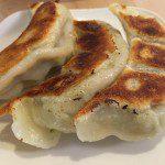 吉祥寺の餃子といえばここ!「みんみん」ジャンボ餃子の美味い焼き方とは